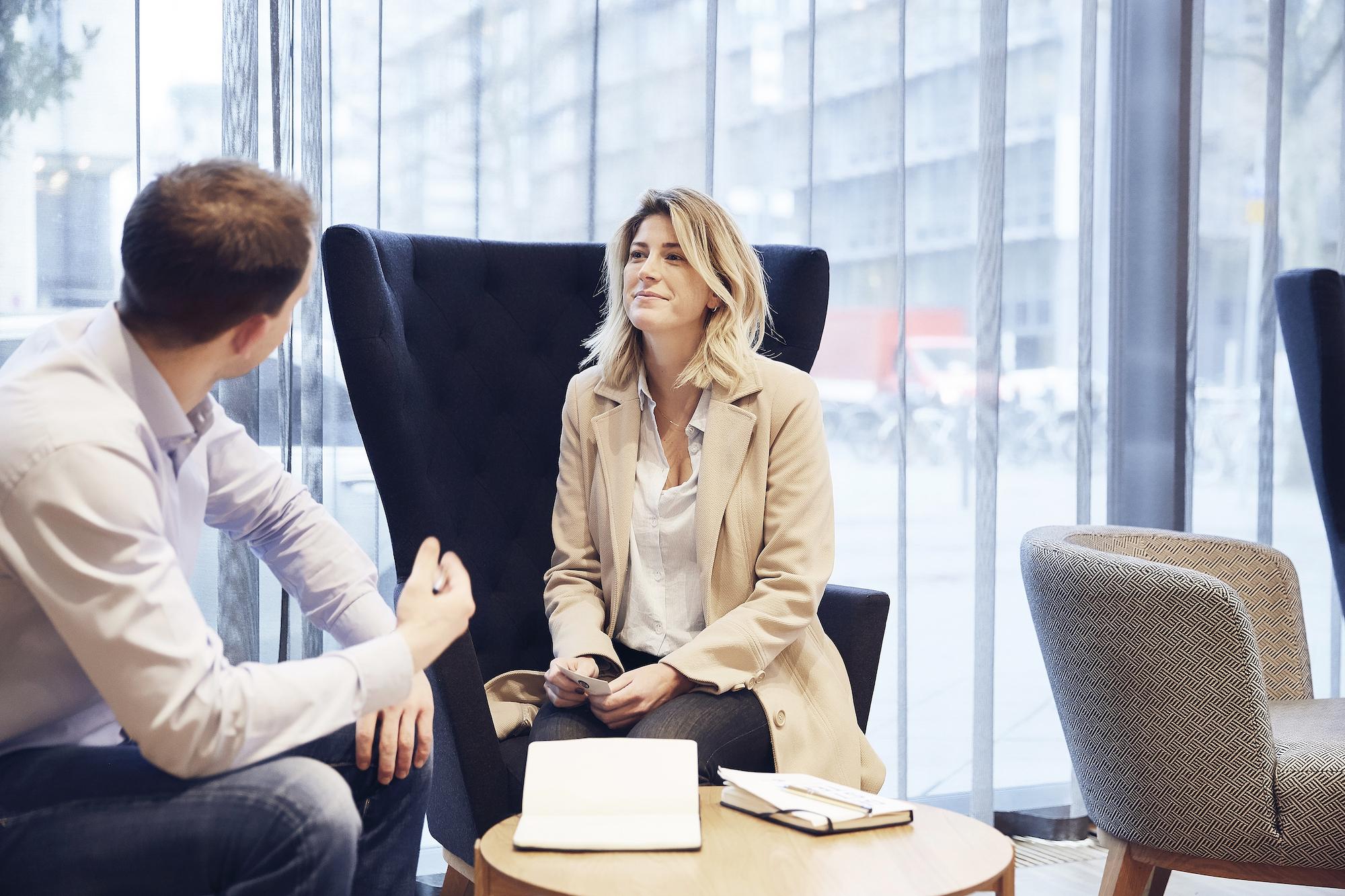 Neue Führungskultur im Finanzsektor: Team-Empowerment & Care-Gen statt Status und Macht