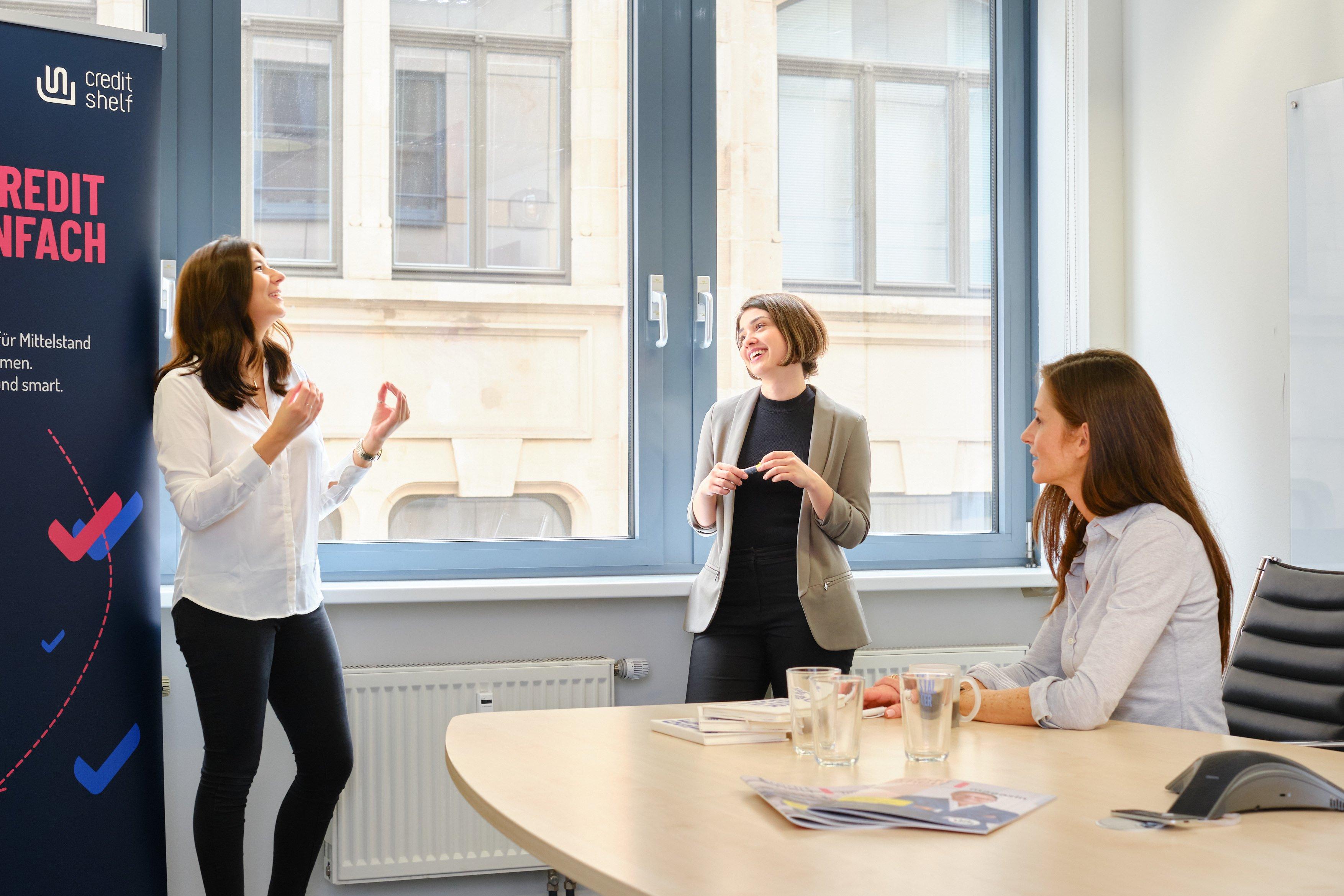 """Janina Kugel beschreibt in """"It's now – Leben, führen, arbeiten"""" die sich ändernde Arbeitswelt."""