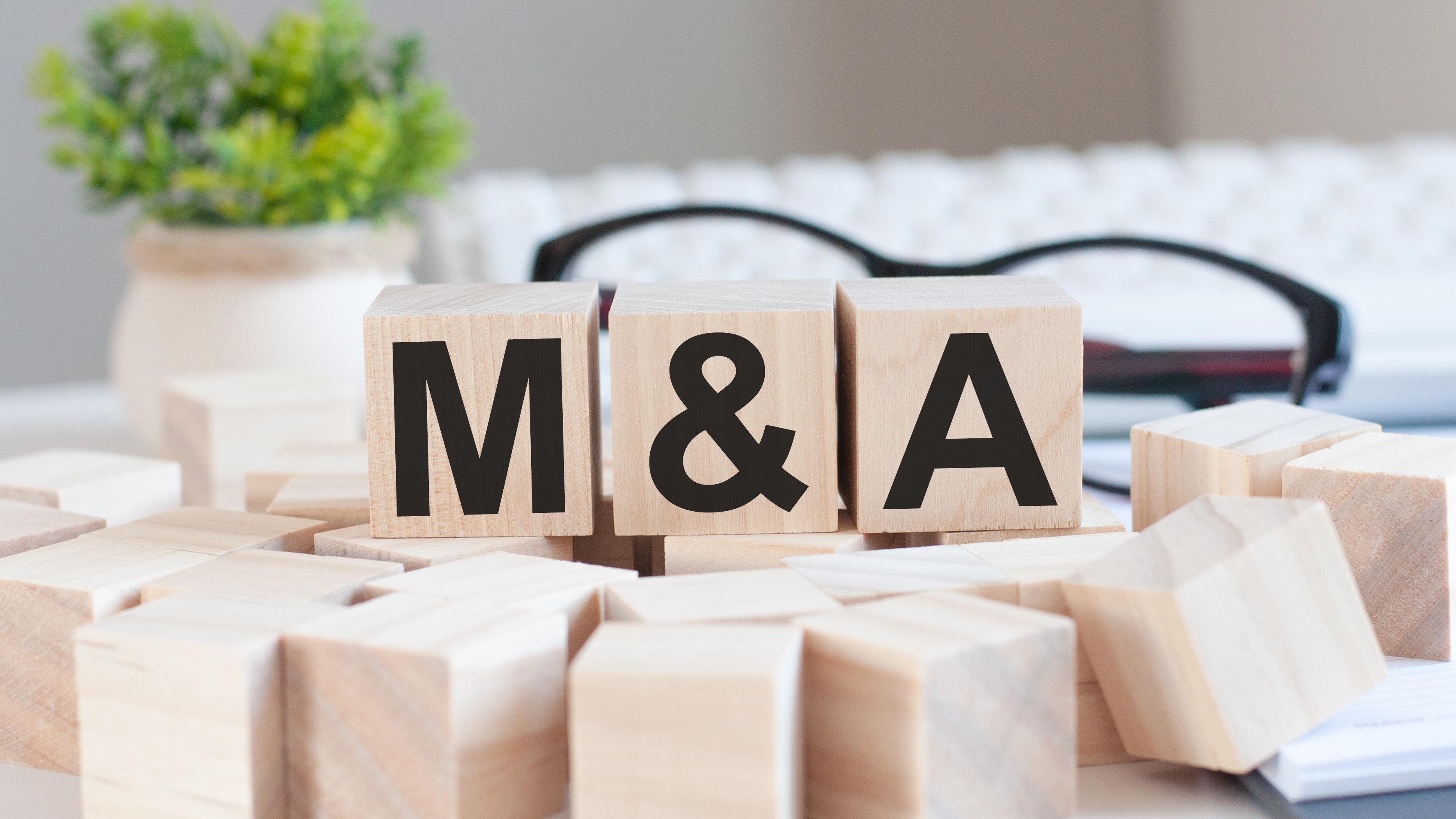 M&A Holzwürfel